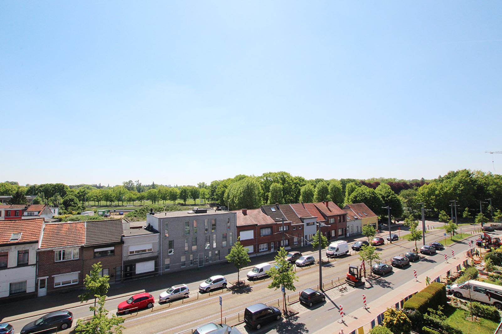 Prachtig dakappartement met maar liefst 2 ruime terrassen op gegeerde locatie! afbeelding 4