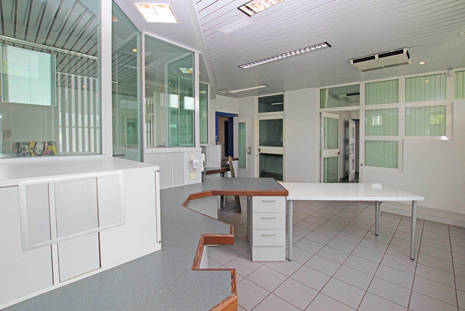 Kantoorruimte (106m²) op centrale locatie te Merksem.  afbeelding 7