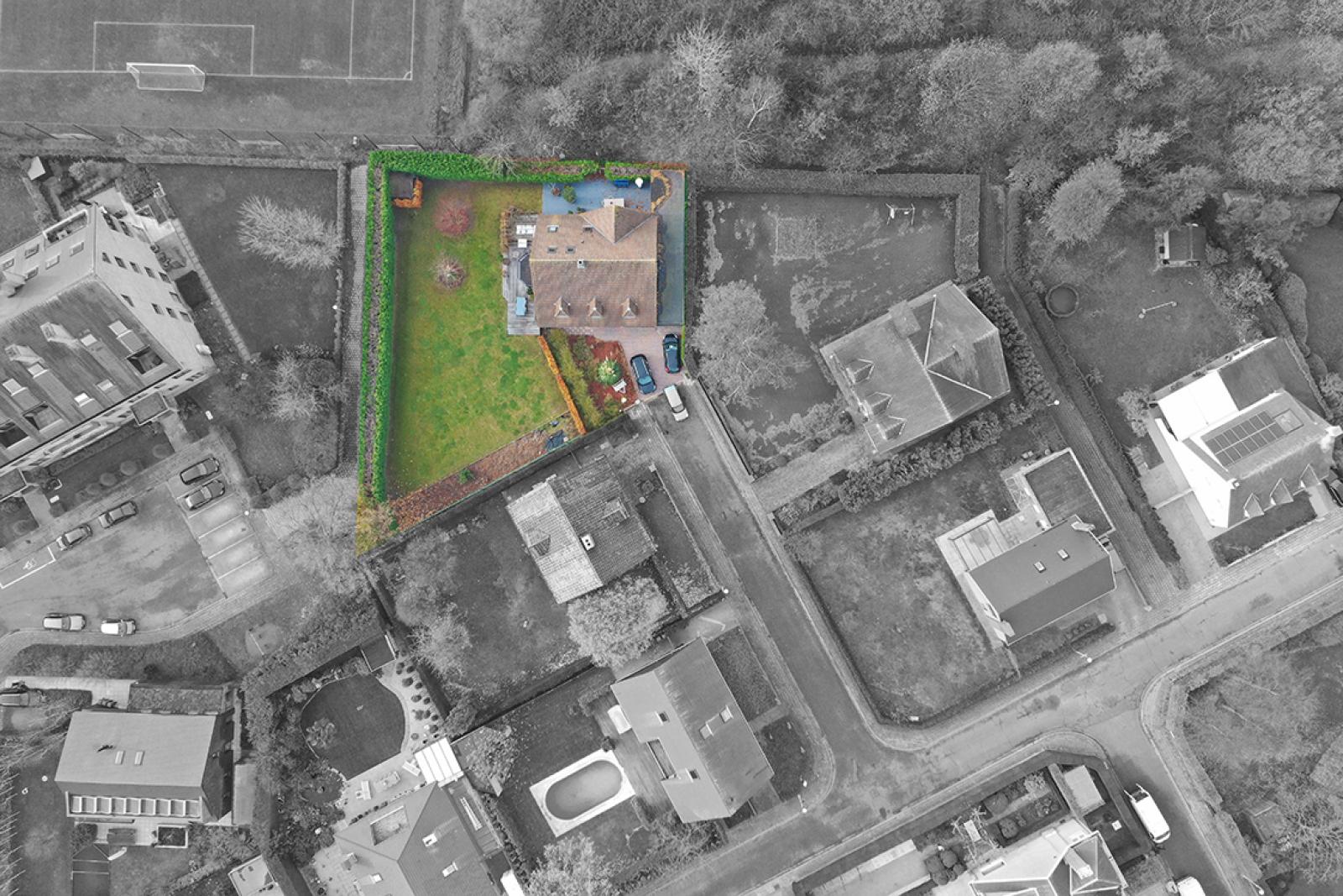 Stijlvolle landelijke villa op een perceel van 1.107 m² in een zeer gegeerd doodlopend straatje te Linkeroever! afbeelding 36