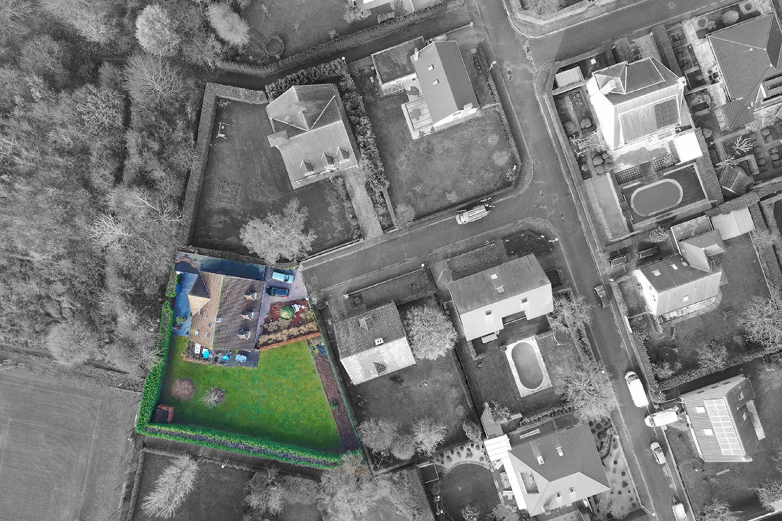 Stijlvolle landelijke villa op een perceel van 1.107 m² in een zeer gegeerd doodlopend straatje te Linkeroever! afbeelding 3