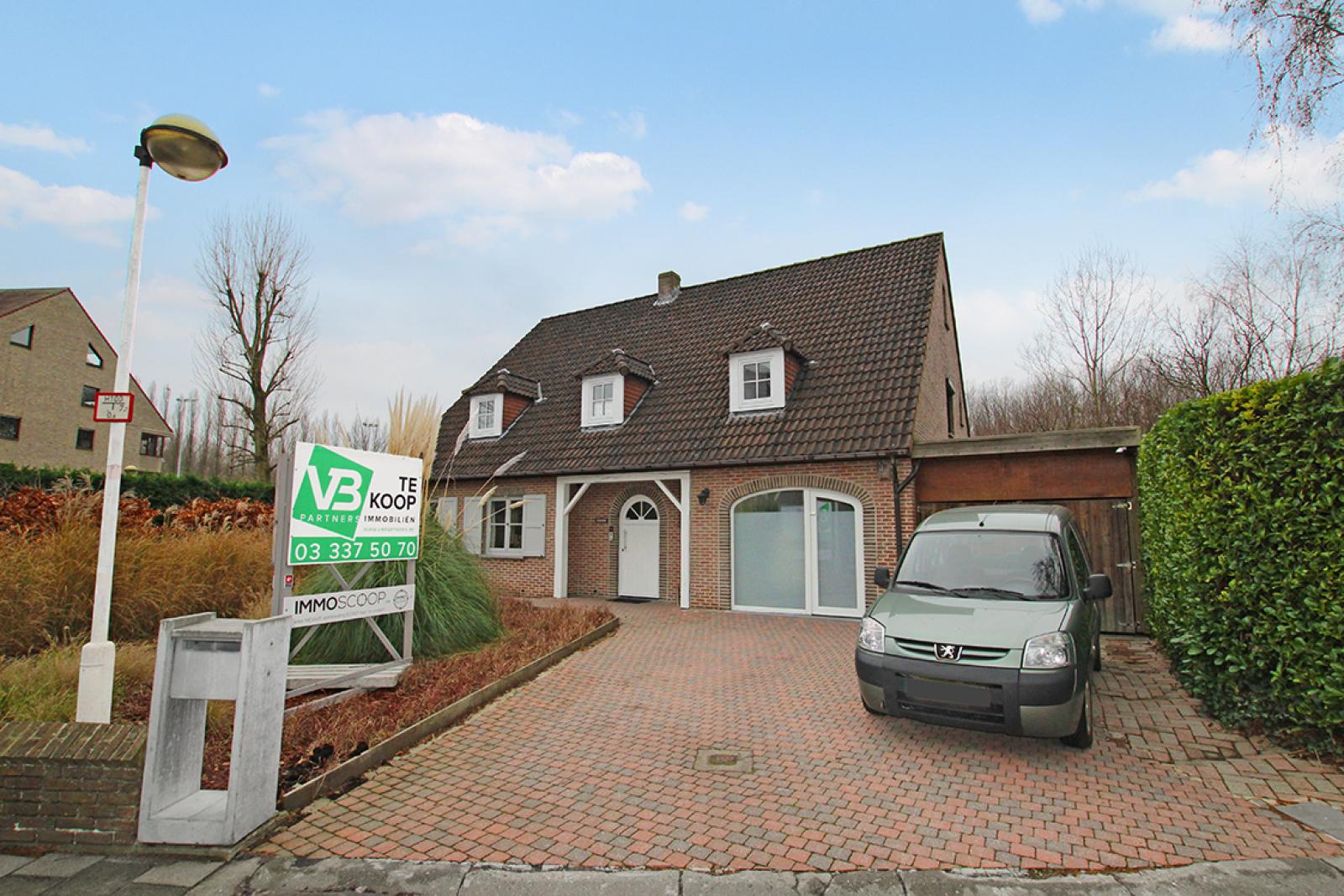 Stijlvolle landelijke villa op een perceel van 1.107 m² in een zeer gegeerd doodlopend straatje te Linkeroever! afbeelding 5