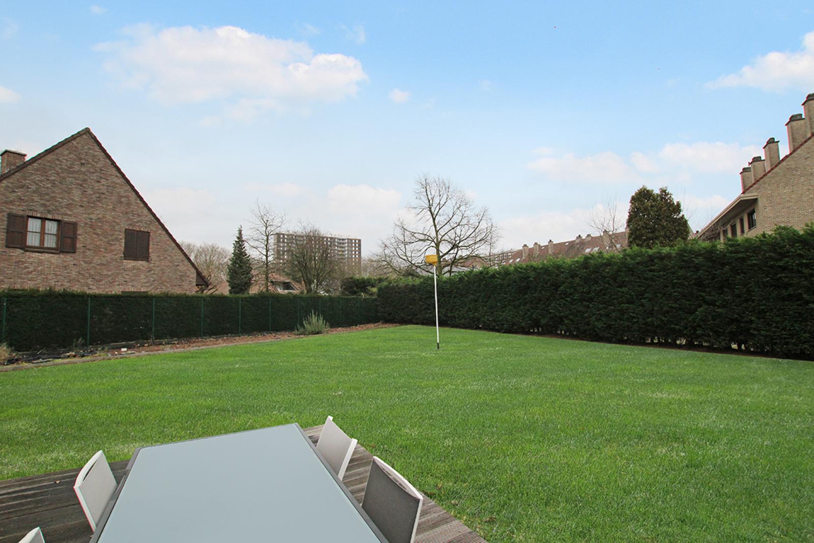 Stijlvolle landelijke villa op een perceel van 1.107 m² in een zeer gegeerd doodlopend straatje te Linkeroever! afbeelding 6