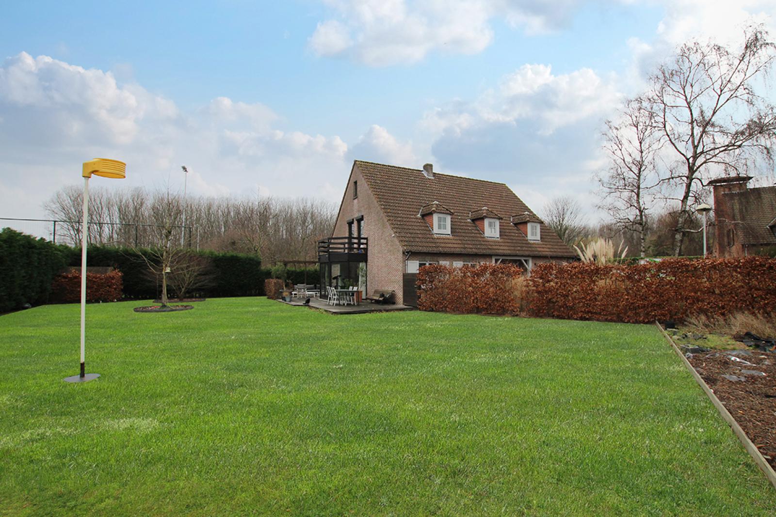 Stijlvolle landelijke villa op een perceel van 1.107 m² in een zeer gegeerd doodlopend straatje te Linkeroever! afbeelding 7