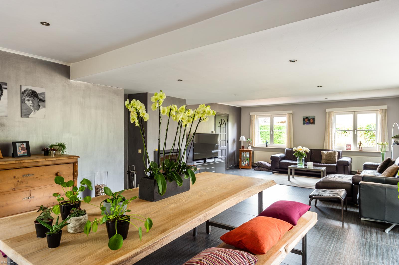 Stijlvolle landelijke villa op een perceel van 1.107 m² in een zeer gegeerd doodlopend straatje te Linkeroever! afbeelding 8