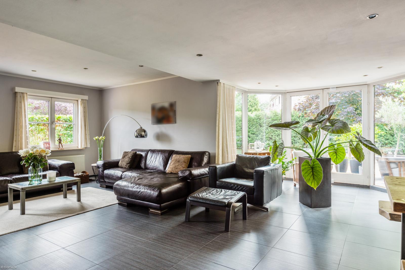 Stijlvolle landelijke villa op een perceel van 1.107 m² in een zeer gegeerd doodlopend straatje te Linkeroever! afbeelding 9
