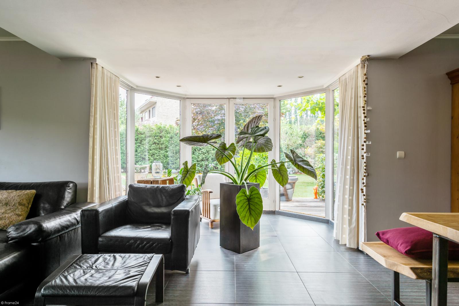 Stijlvolle landelijke villa op een perceel van 1.107 m² in een zeer gegeerd doodlopend straatje te Linkeroever! afbeelding 11