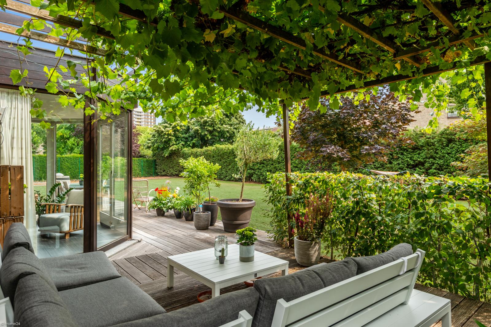 Stijlvolle landelijke villa op een perceel van 1.107 m² in een zeer gegeerd doodlopend straatje te Linkeroever! afbeelding 23
