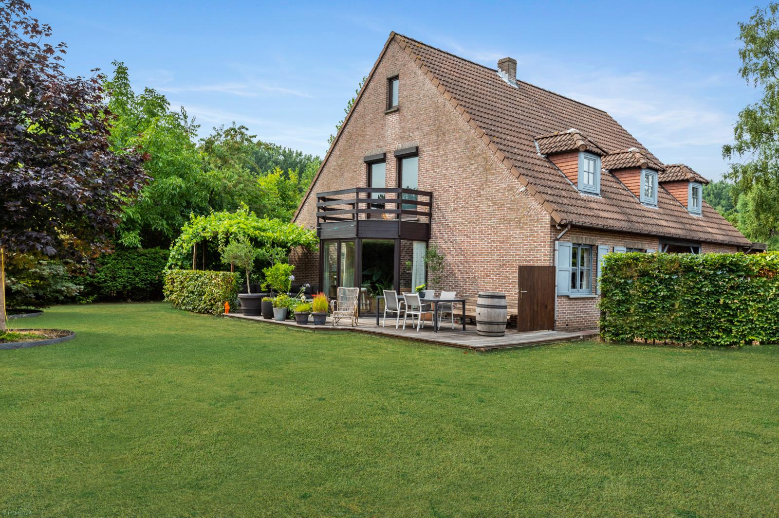Stijlvolle landelijke villa op een perceel van 1.107 m² in een zeer gegeerd doodlopend straatje te Linkeroever! afbeelding 28