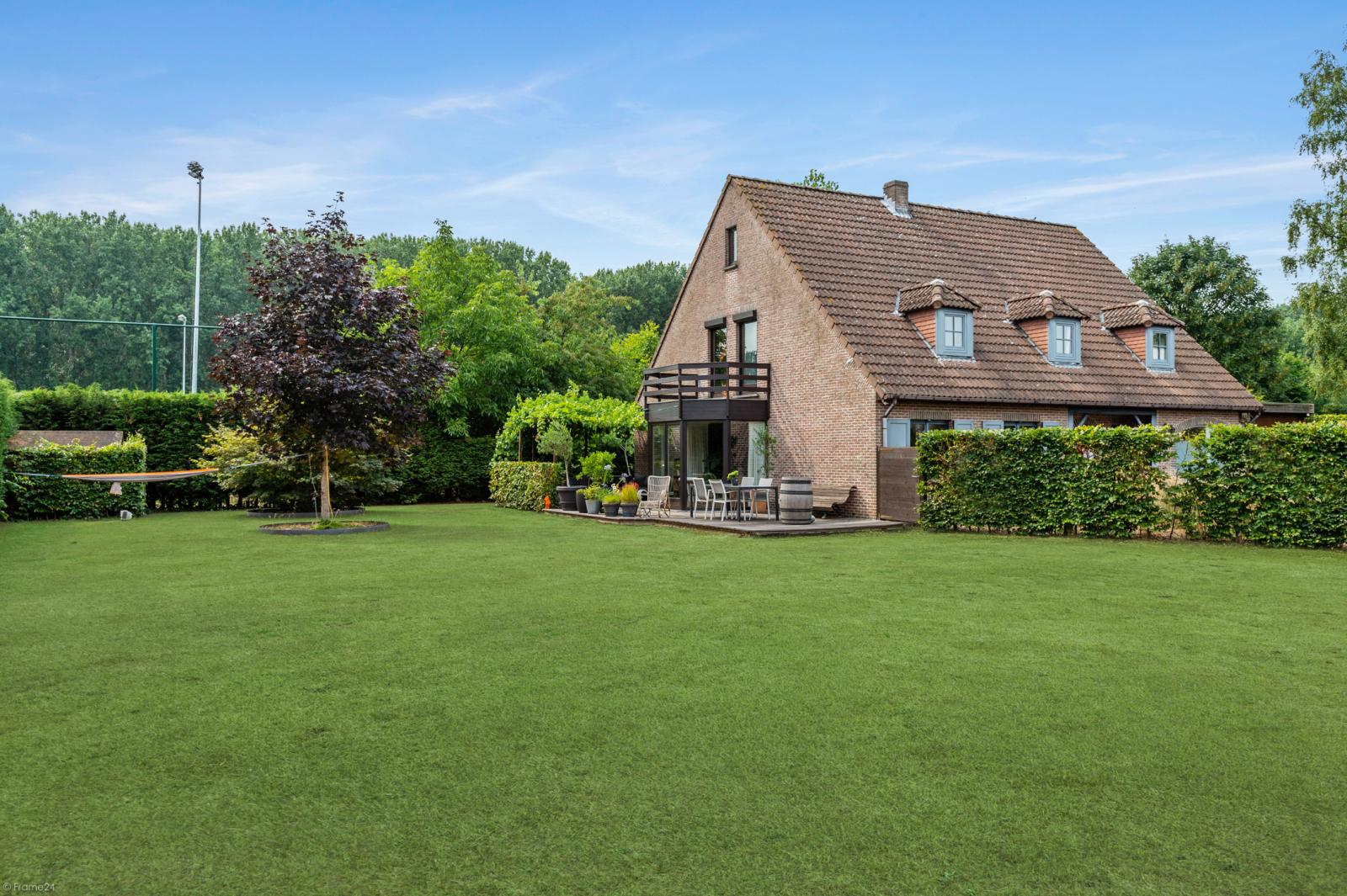 Stijlvolle landelijke villa op een perceel van 1.107 m² in een zeer gegeerd doodlopend straatje te Linkeroever! afbeelding 29