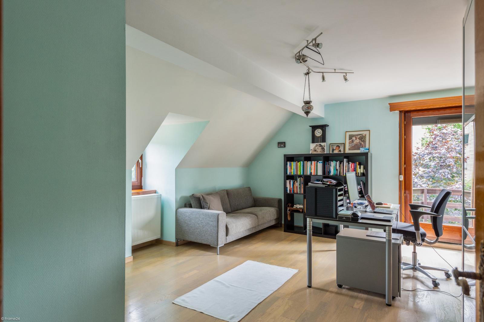 Stijlvolle landelijke villa op een perceel van 1.107 m² in een zeer gegeerd doodlopend straatje te Linkeroever! afbeelding 17