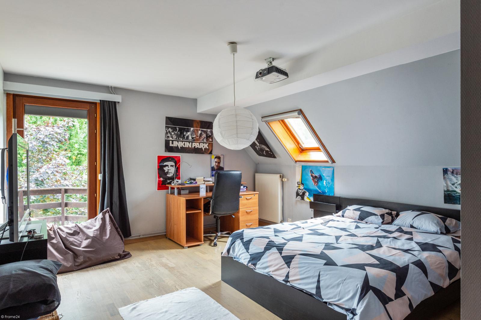 Stijlvolle landelijke villa op een perceel van 1.107 m² in een zeer gegeerd doodlopend straatje te Linkeroever! afbeelding 18