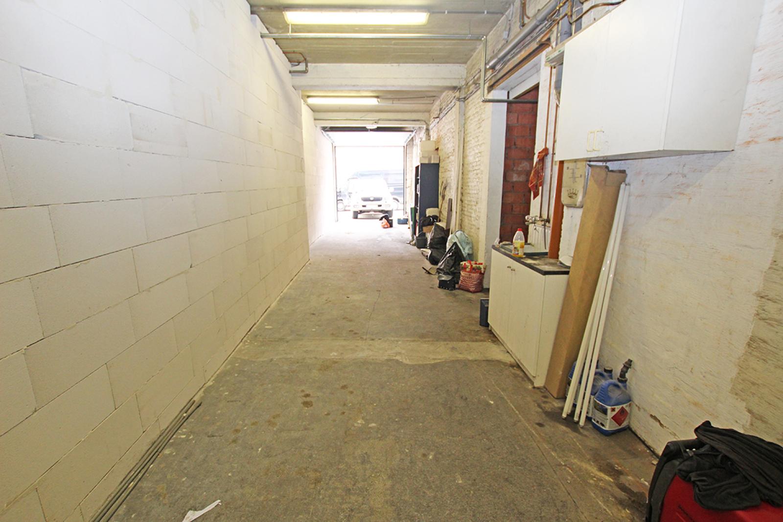 Zeer groot magazijn/garage (+/- 350 m²) op centrale locatie te Schoten! afbeelding 5