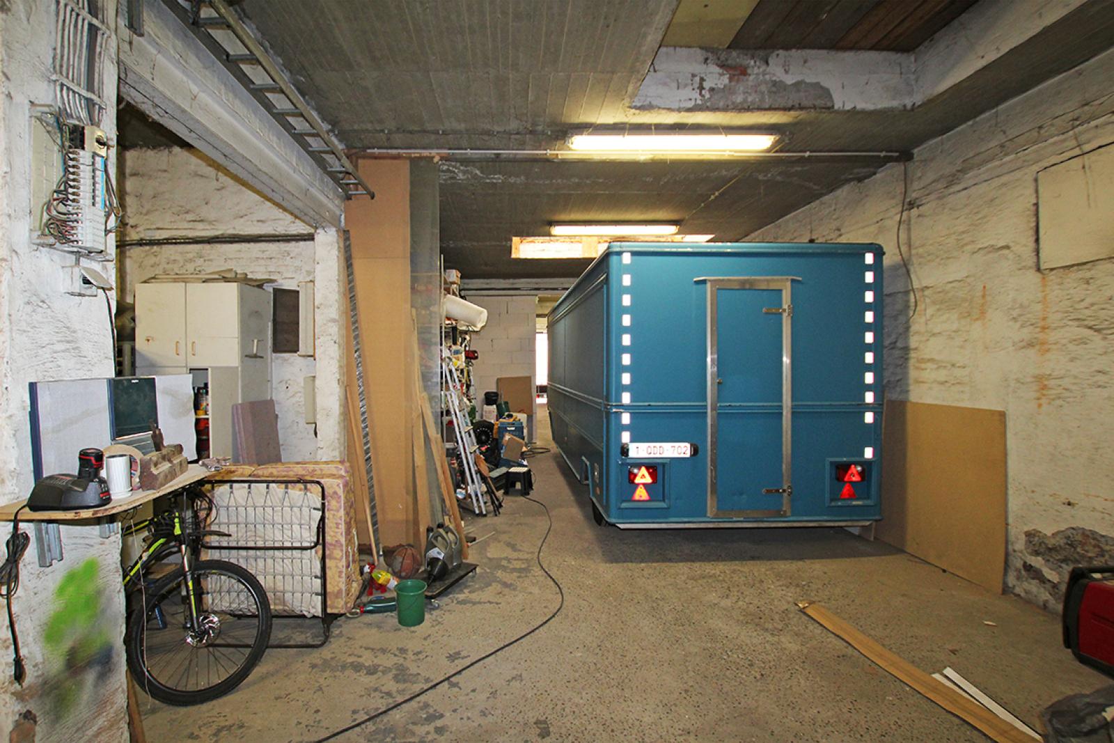 Zeer groot magazijn/garage (+/- 350 m²) op centrale locatie te Schoten! afbeelding 7