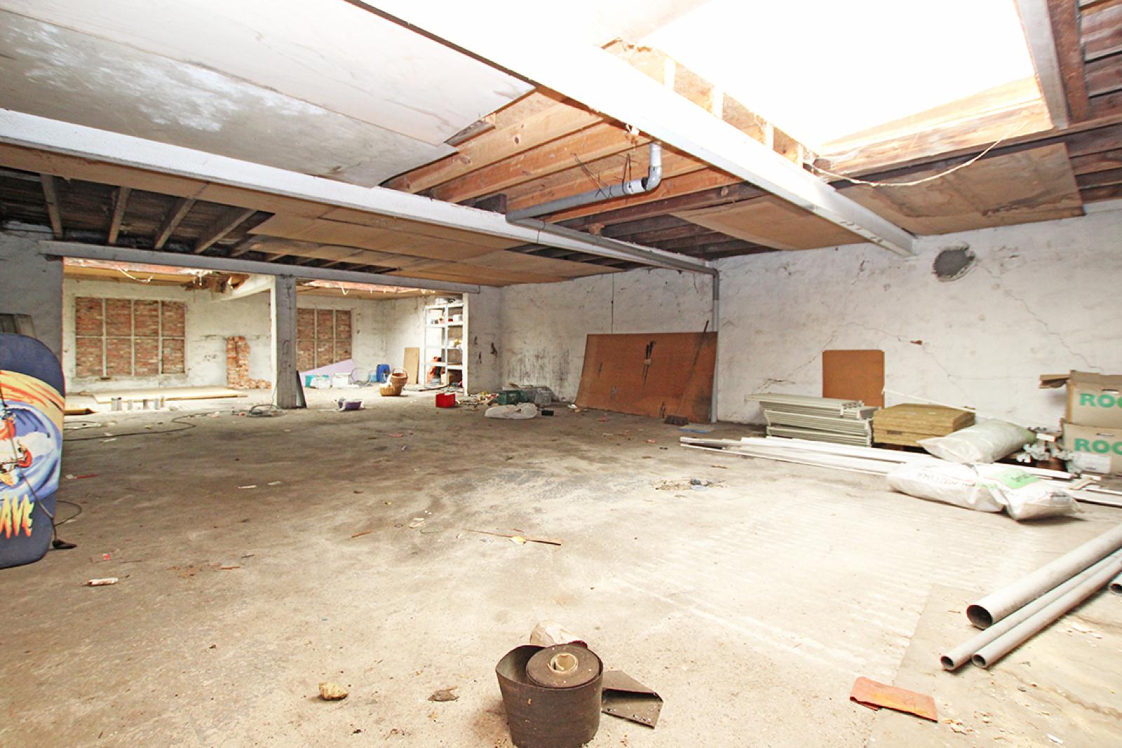 Zeer groot magazijn/garage (+/- 350 m²) op centrale locatie te Schoten! afbeelding 11