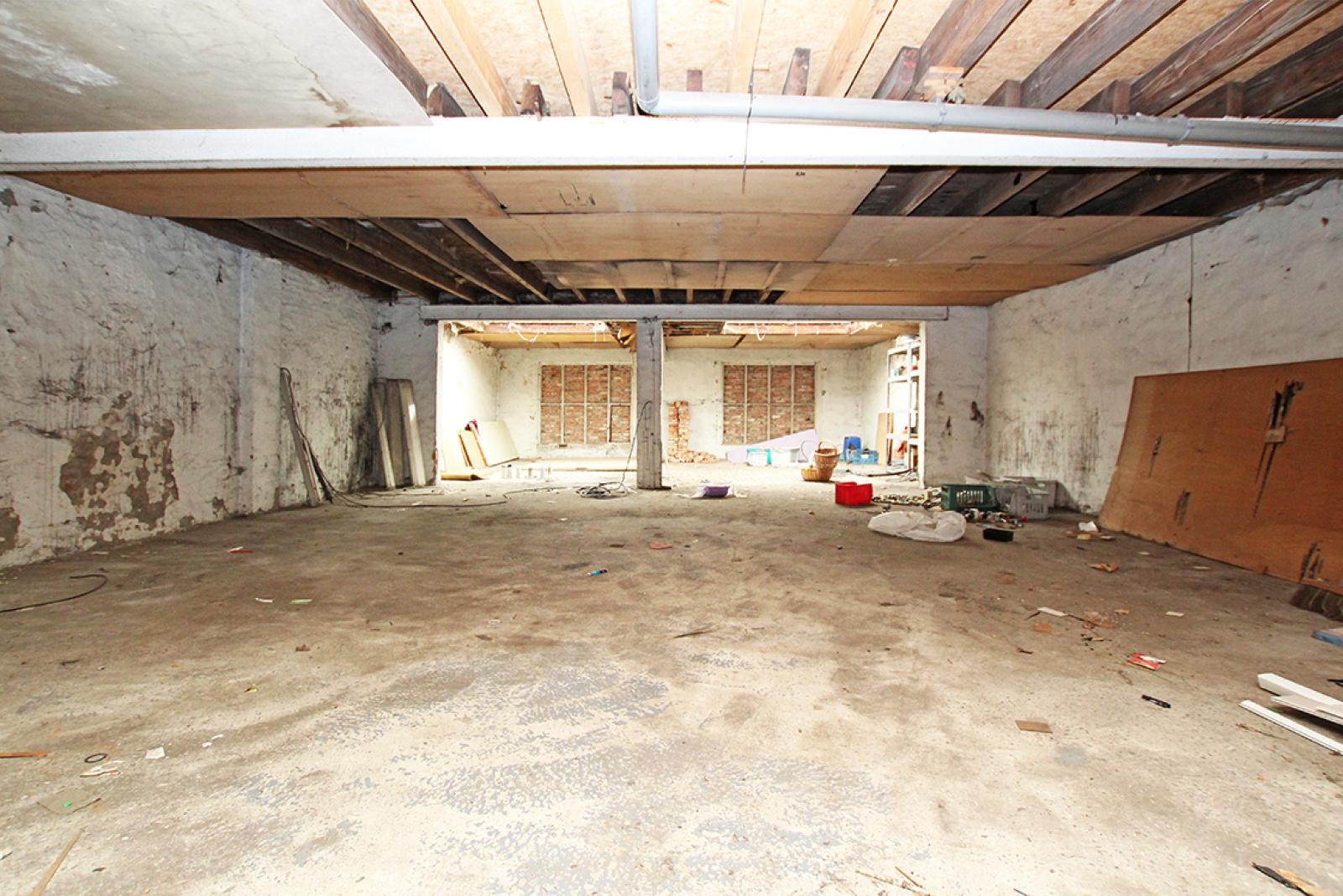 Zeer groot magazijn/garage (+/- 350 m²) op centrale locatie te Schoten! afbeelding 12