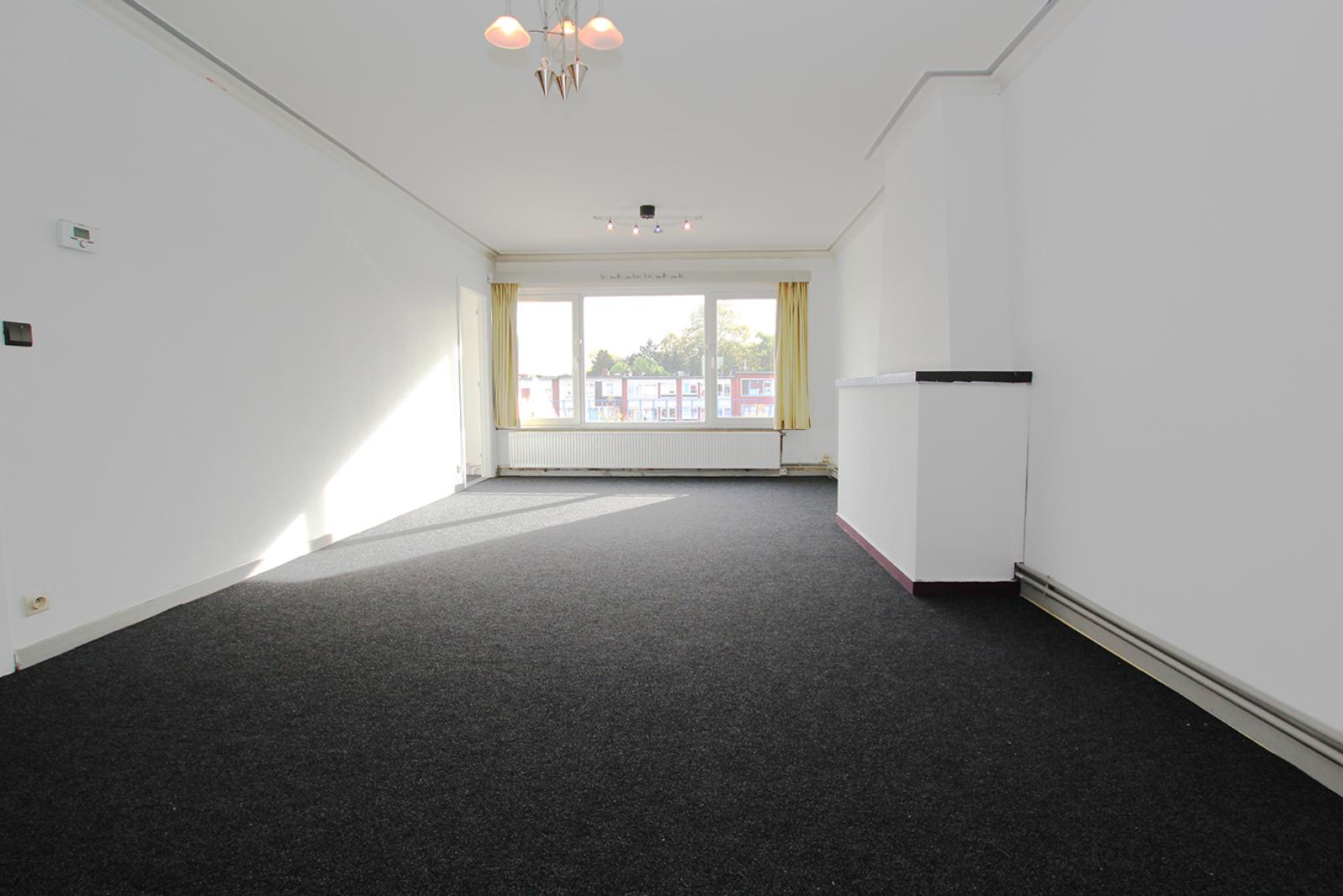 Te renoveren appartement met drie slaapkamers op centrale locatie te Deurne! afbeelding 2