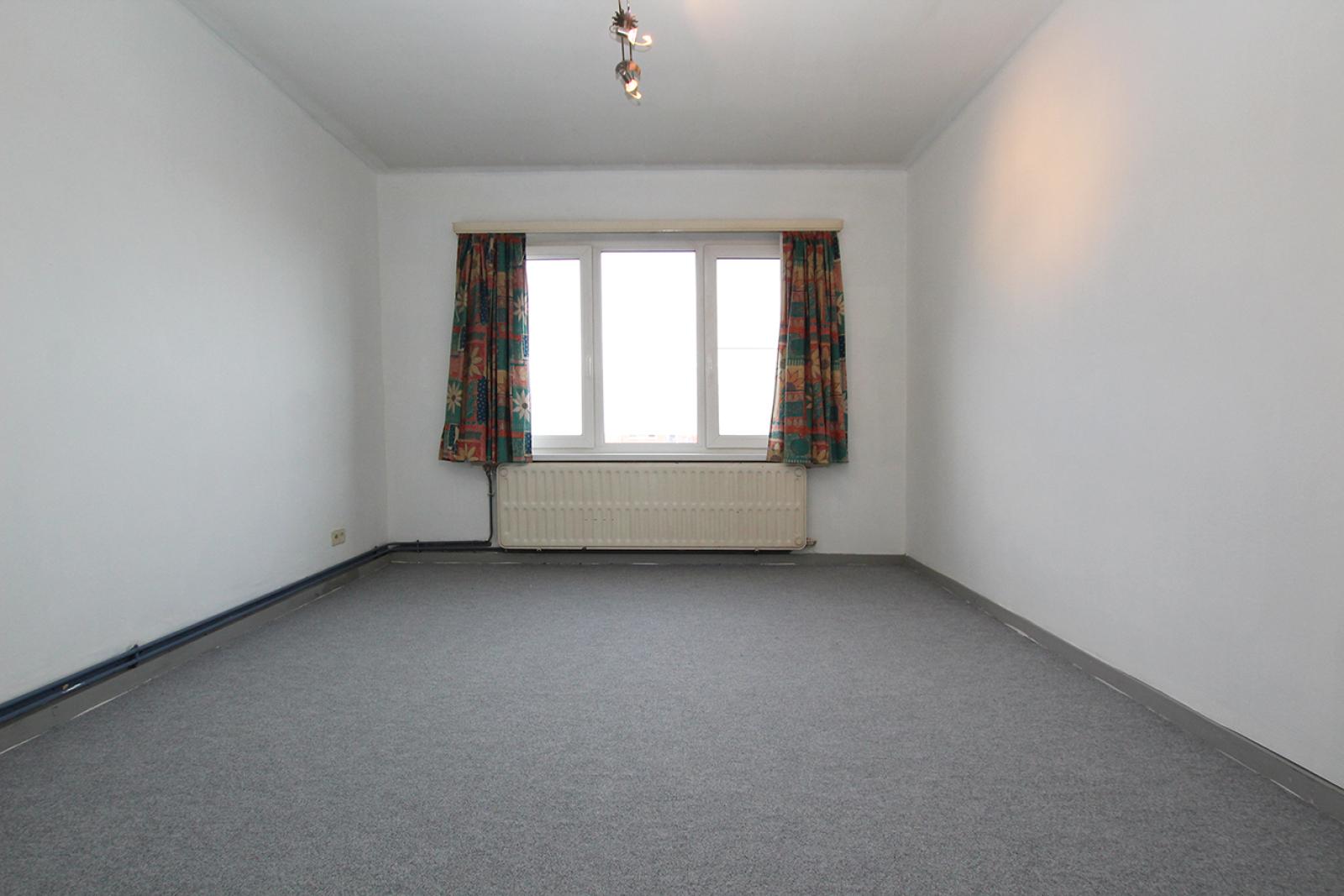 Te renoveren appartement met drie slaapkamers op centrale locatie te Deurne! afbeelding 5