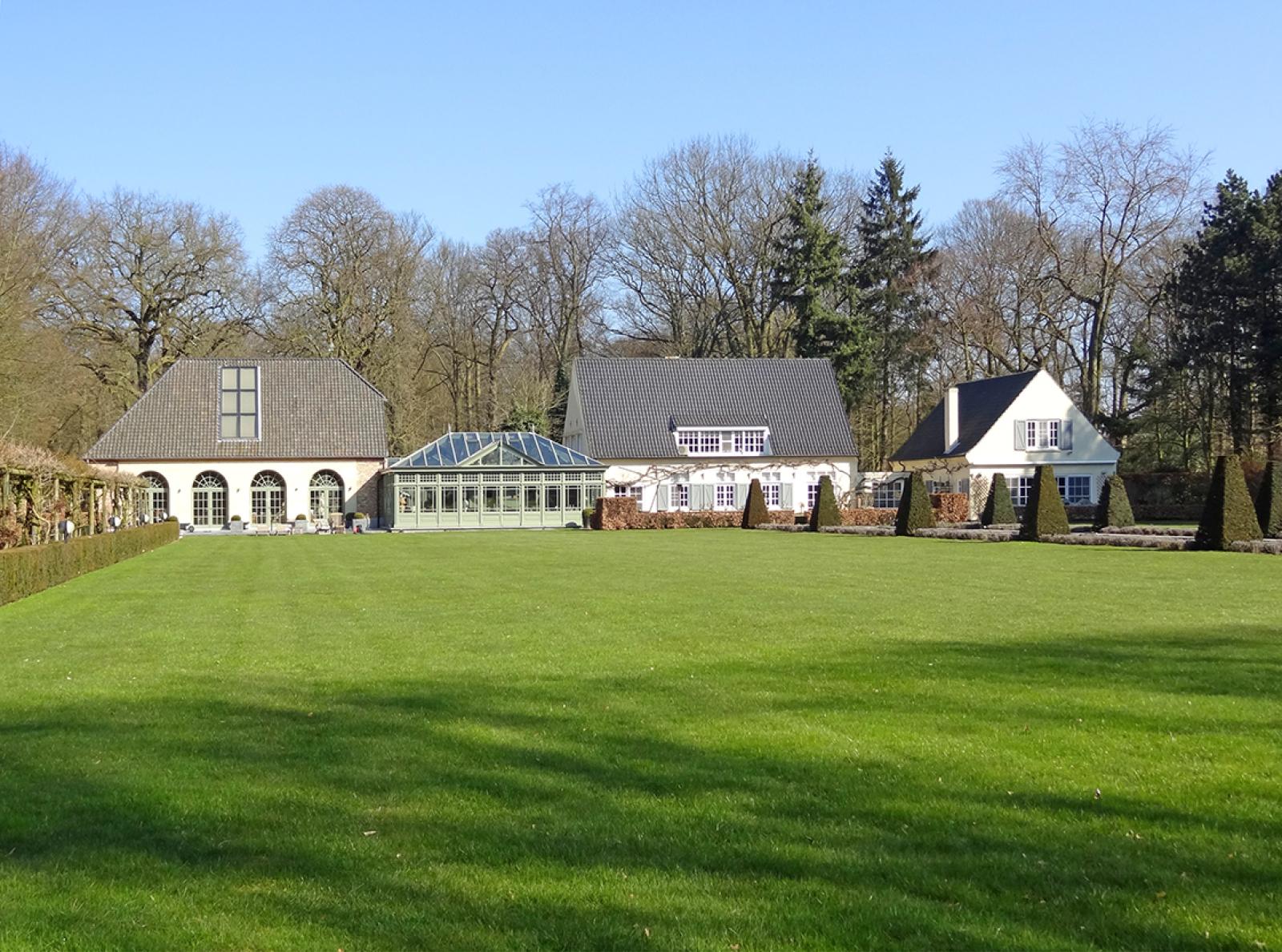 Prachtig domein met riante villa en zwembad op toplocatie te Schoten! afbeelding 2