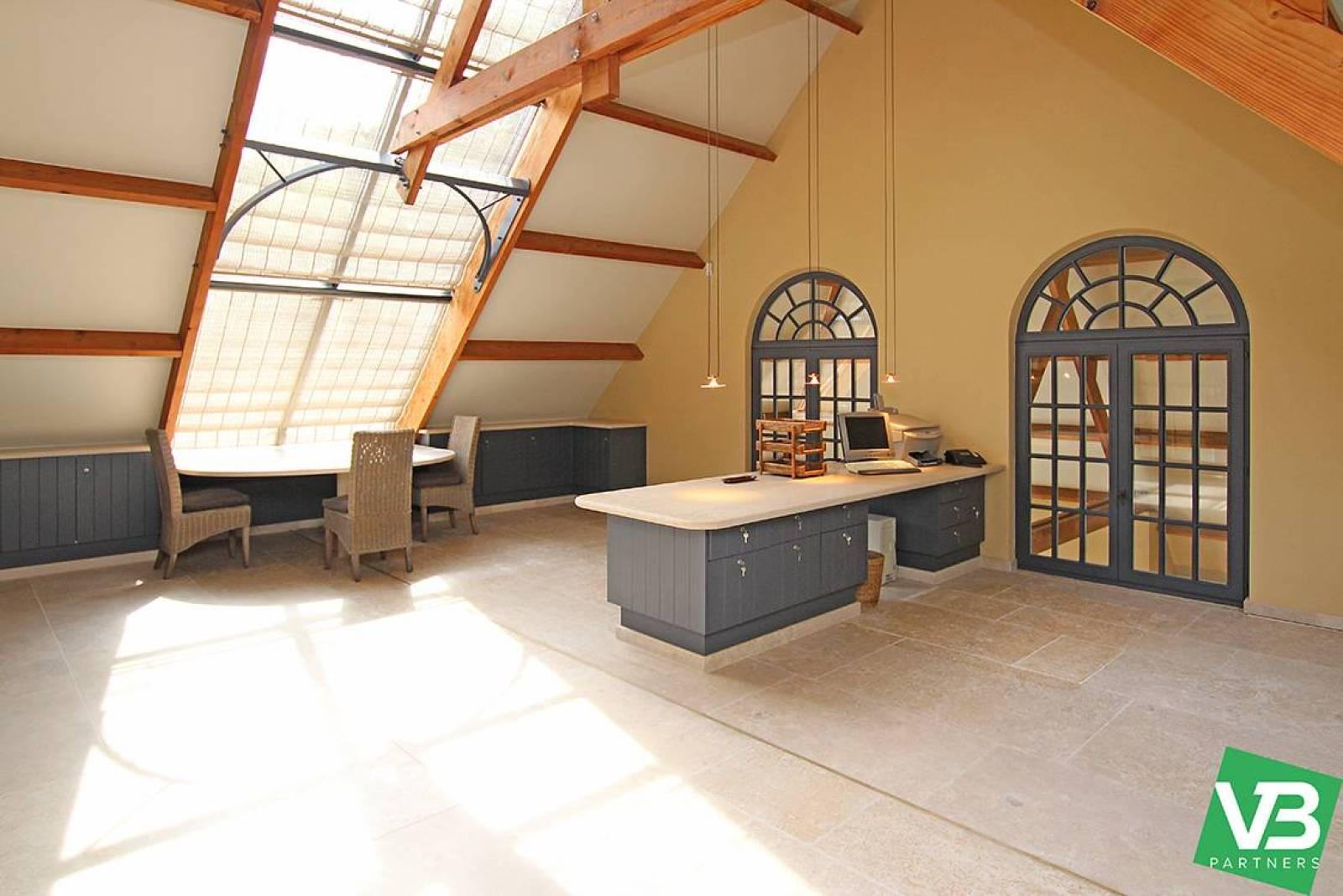 Prachtig domein met riante villa en zwembad op toplocatie te Schoten! afbeelding 31