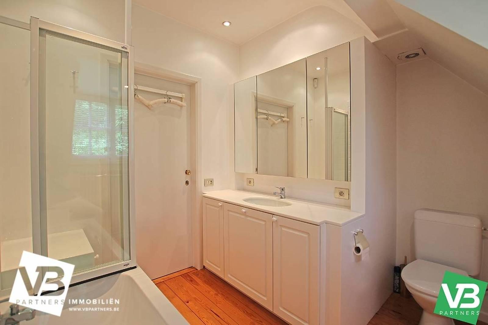 Prachtig domein met riante villa en zwembad op toplocatie te Schoten! afbeelding 35