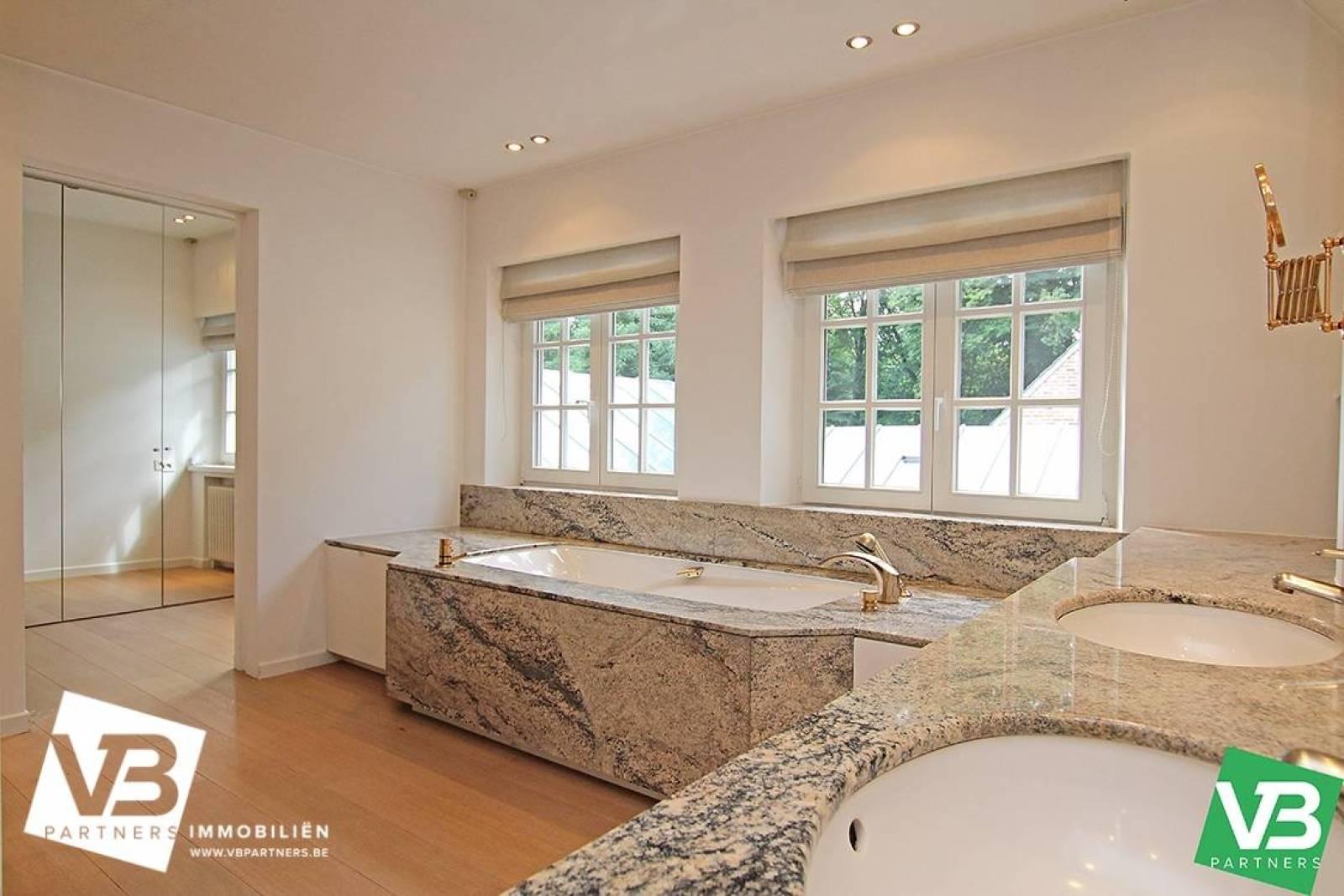 Prachtig domein met riante villa en zwembad op toplocatie te Schoten! afbeelding 41