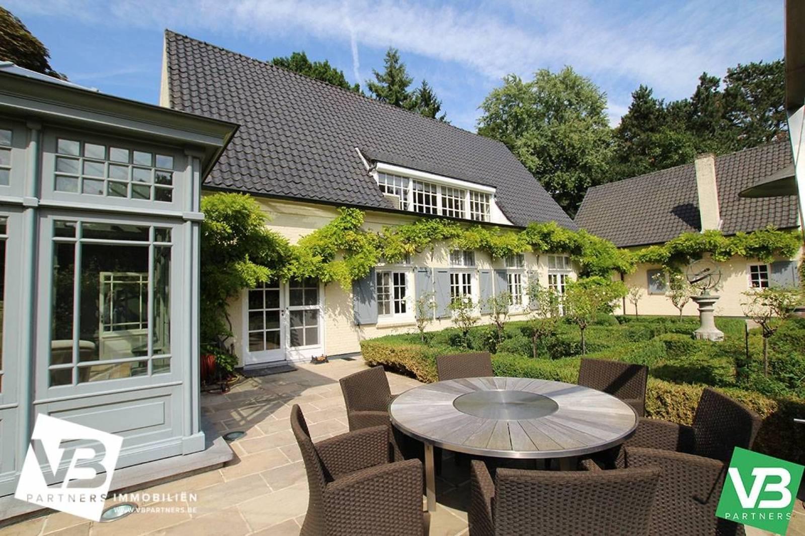 Prachtig domein met riante villa en zwembad op toplocatie te Schoten! afbeelding 55