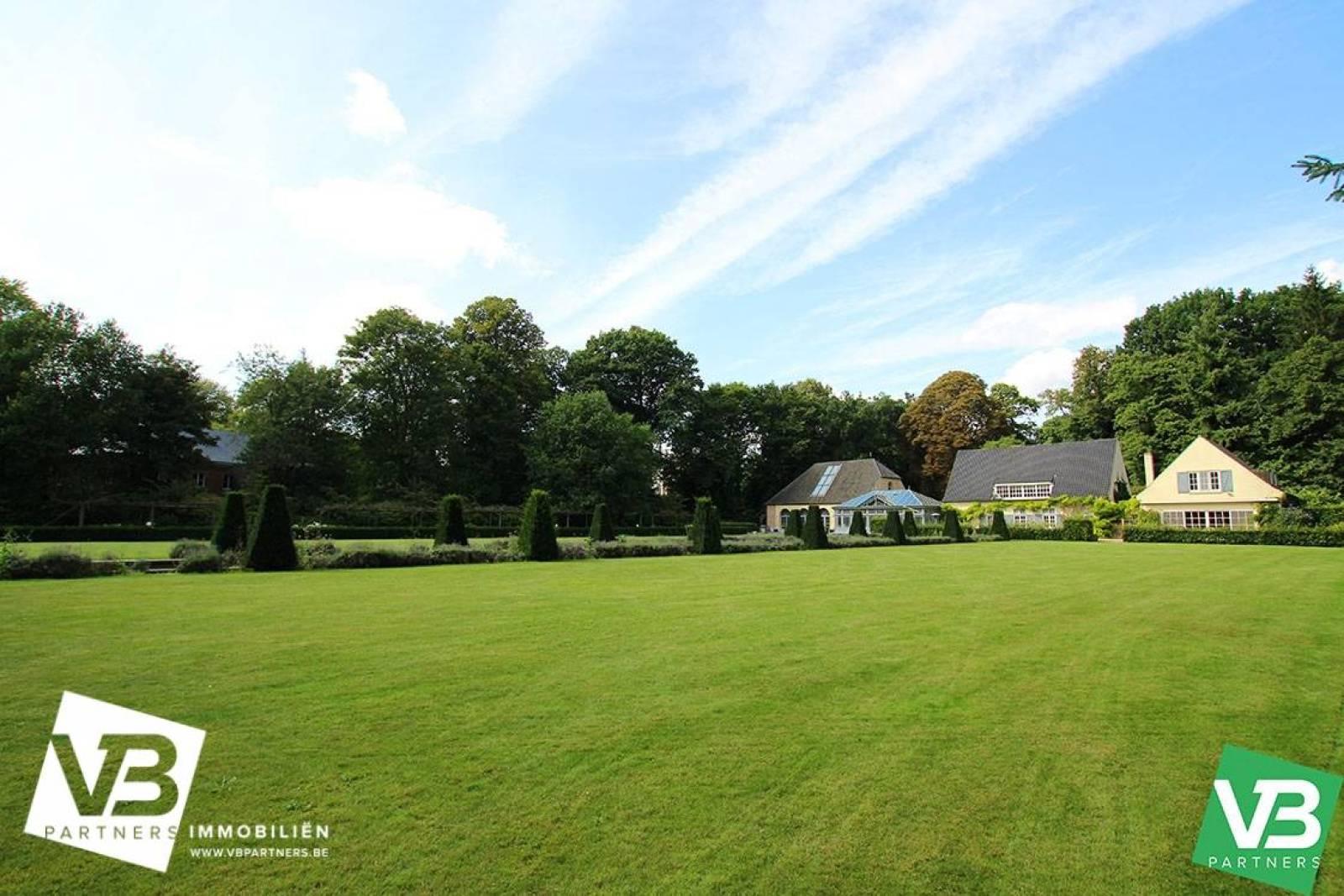Prachtig domein met riante villa en zwembad op toplocatie te Schoten! afbeelding 5