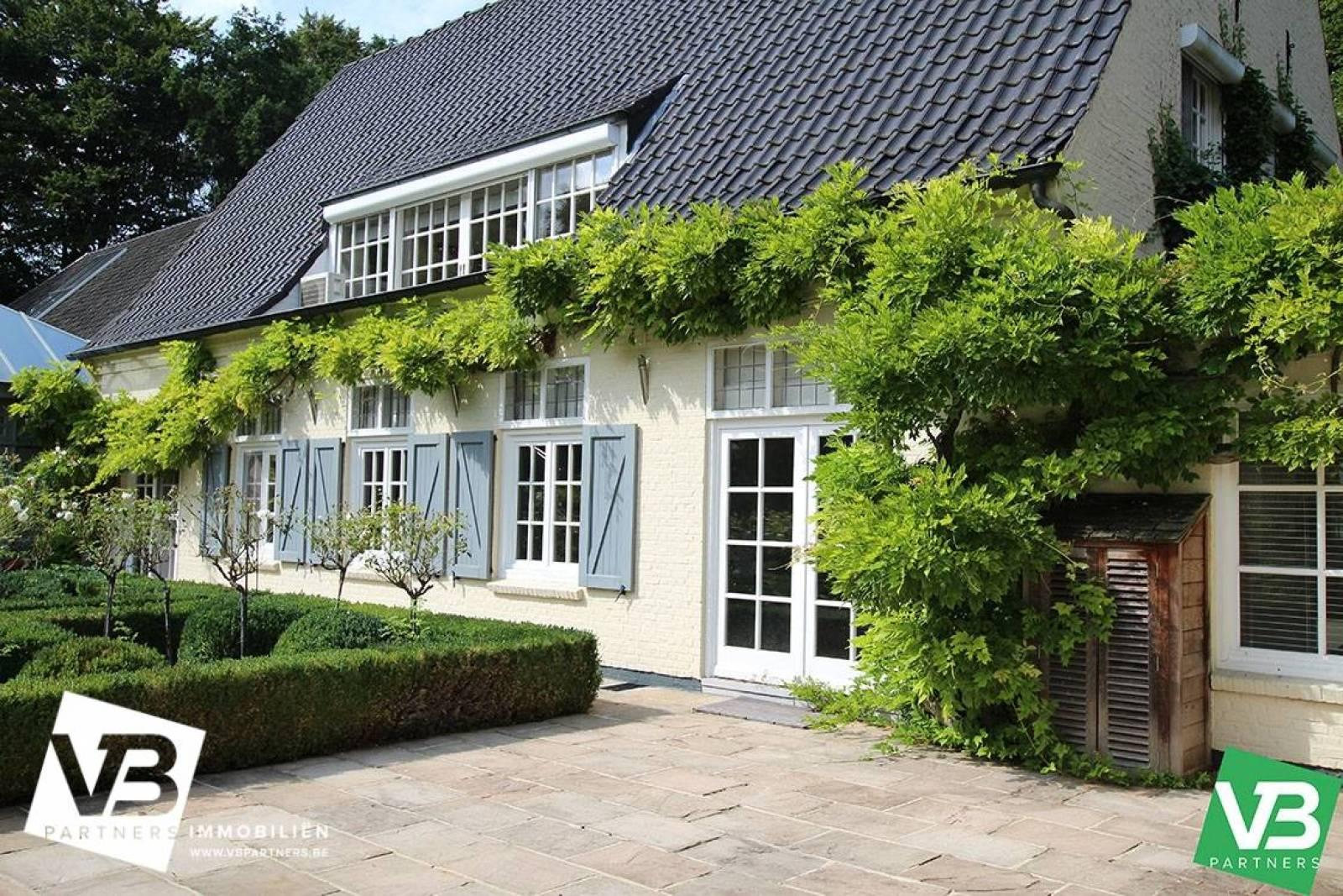 Prachtig domein met riante villa en zwembad op toplocatie te Schoten! afbeelding 57