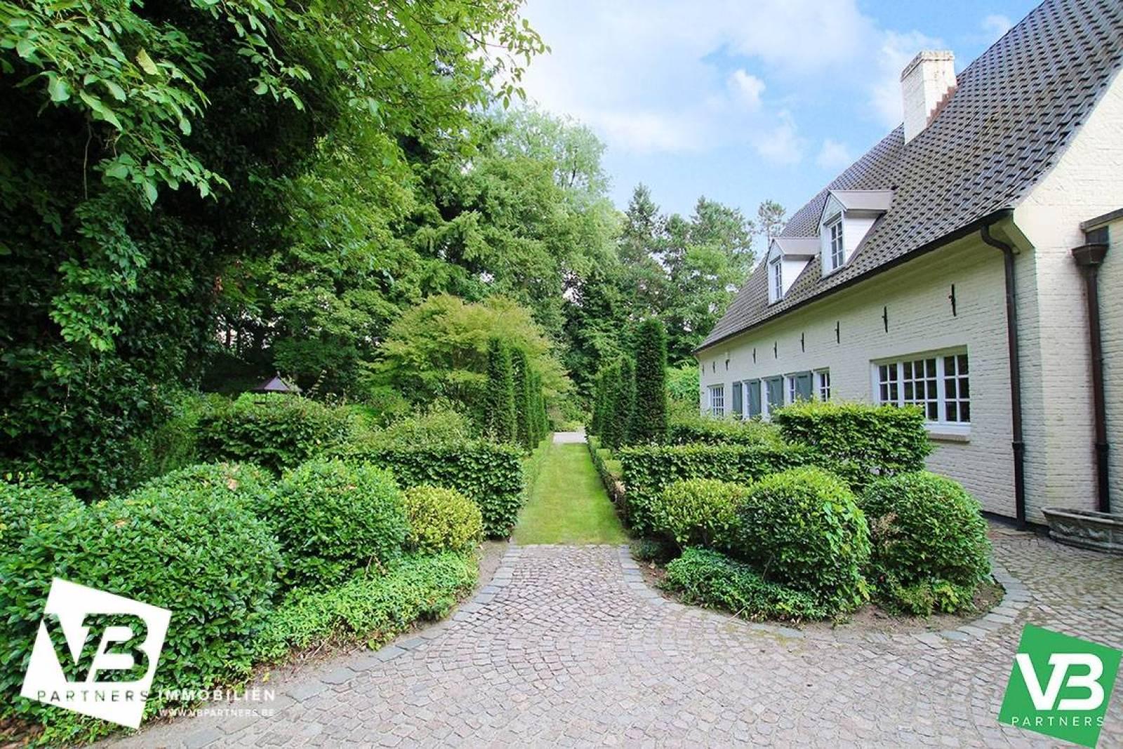 Prachtig domein met riante villa en zwembad op toplocatie te Schoten! afbeelding 58