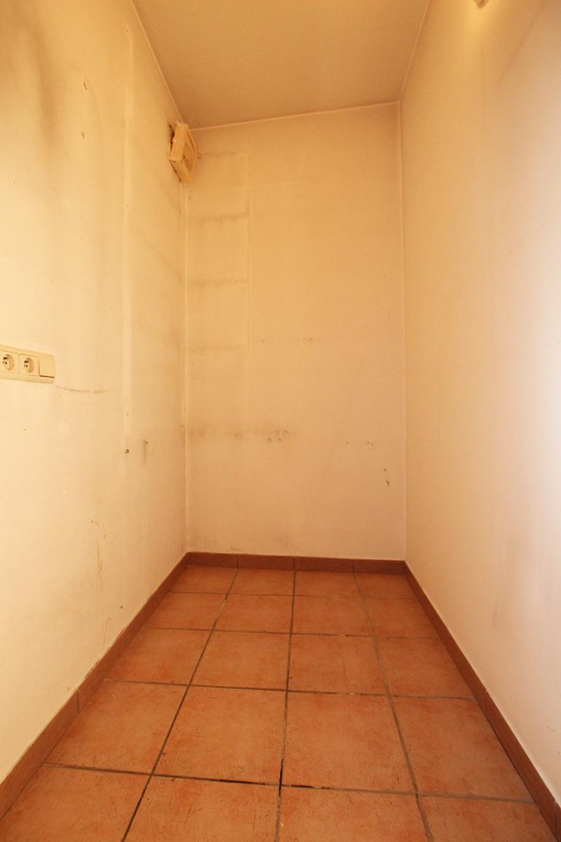 Zeer ruim op te frissen appartement in het centrum van Wijnegem. afbeelding 15