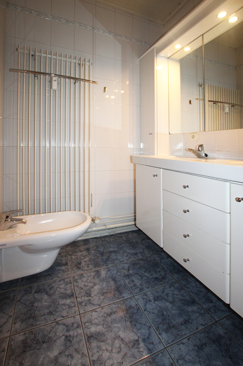 Zeer ruim op te frissen appartement in het centrum van Wijnegem. afbeelding 12