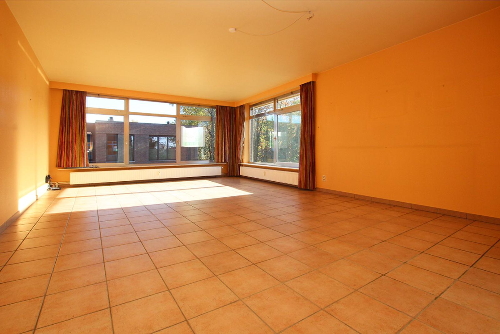 Zeer ruim op te frissen appartement in het centrum van Wijnegem. afbeelding 2
