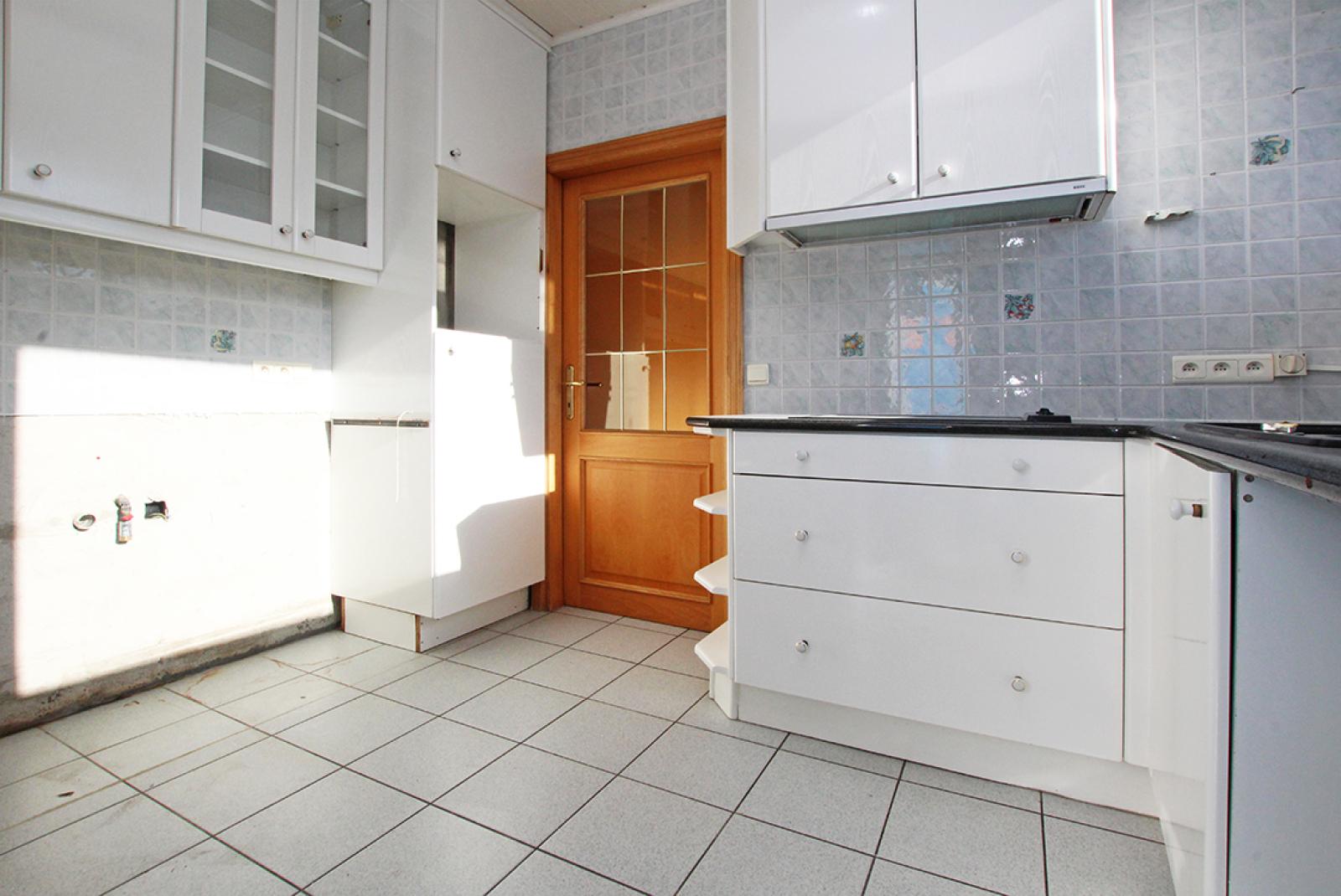 Zeer ruim op te frissen appartement in het centrum van Wijnegem. afbeelding 5