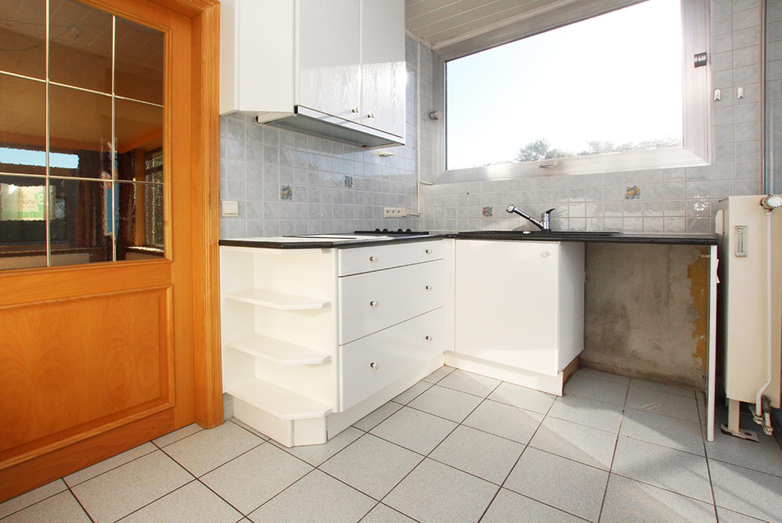 Zeer ruim op te frissen appartement in het centrum van Wijnegem. afbeelding 4