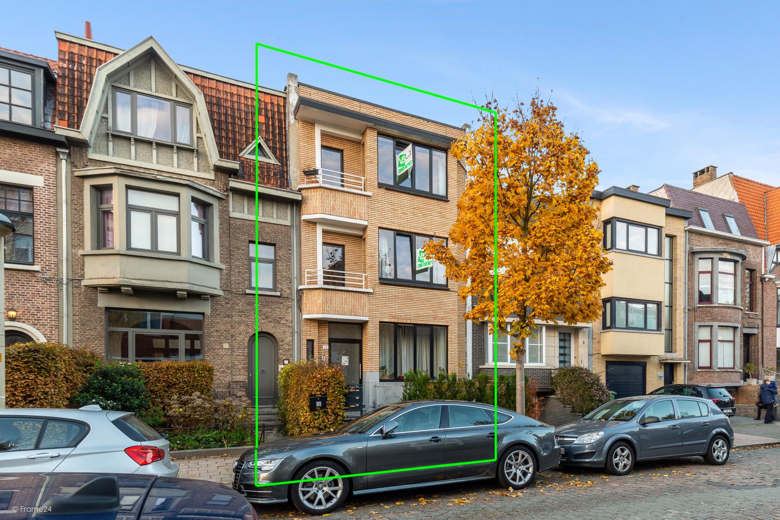 Gelijkvloers appartement (80 m²) met één slaapkamer en gezellige tuin te Berchem! afbeelding 2