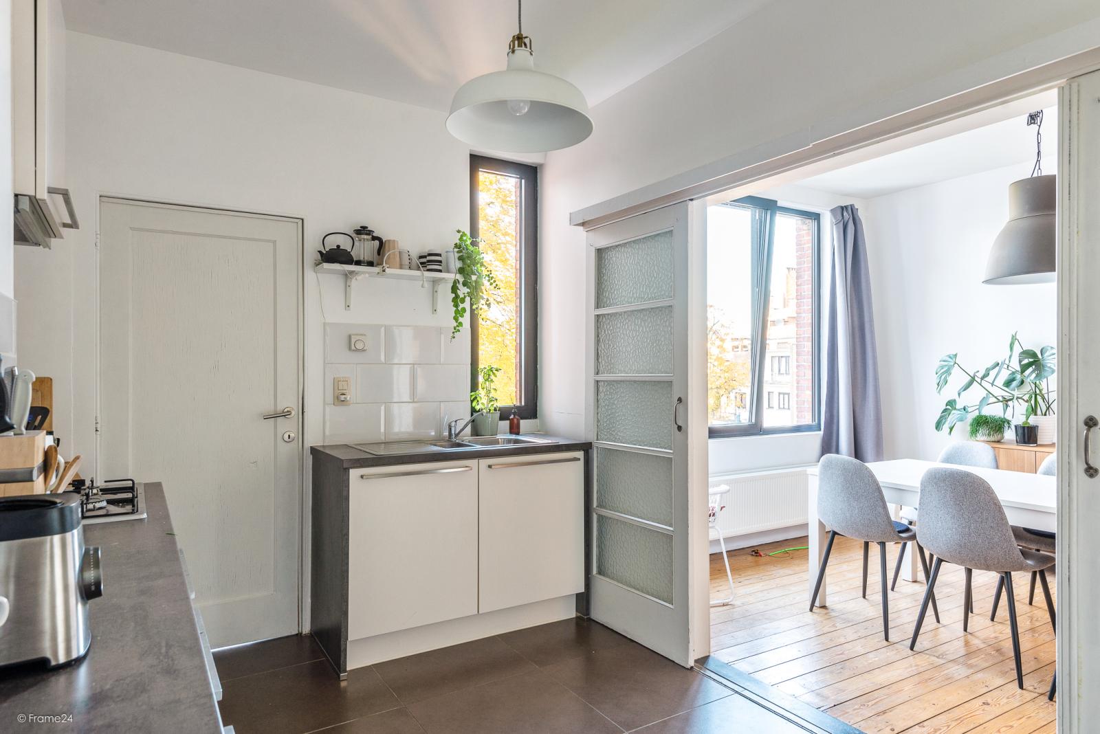 Zeer mooi appartement (75 m²) met één slaapkamer en terras te Berchem! afbeelding 6