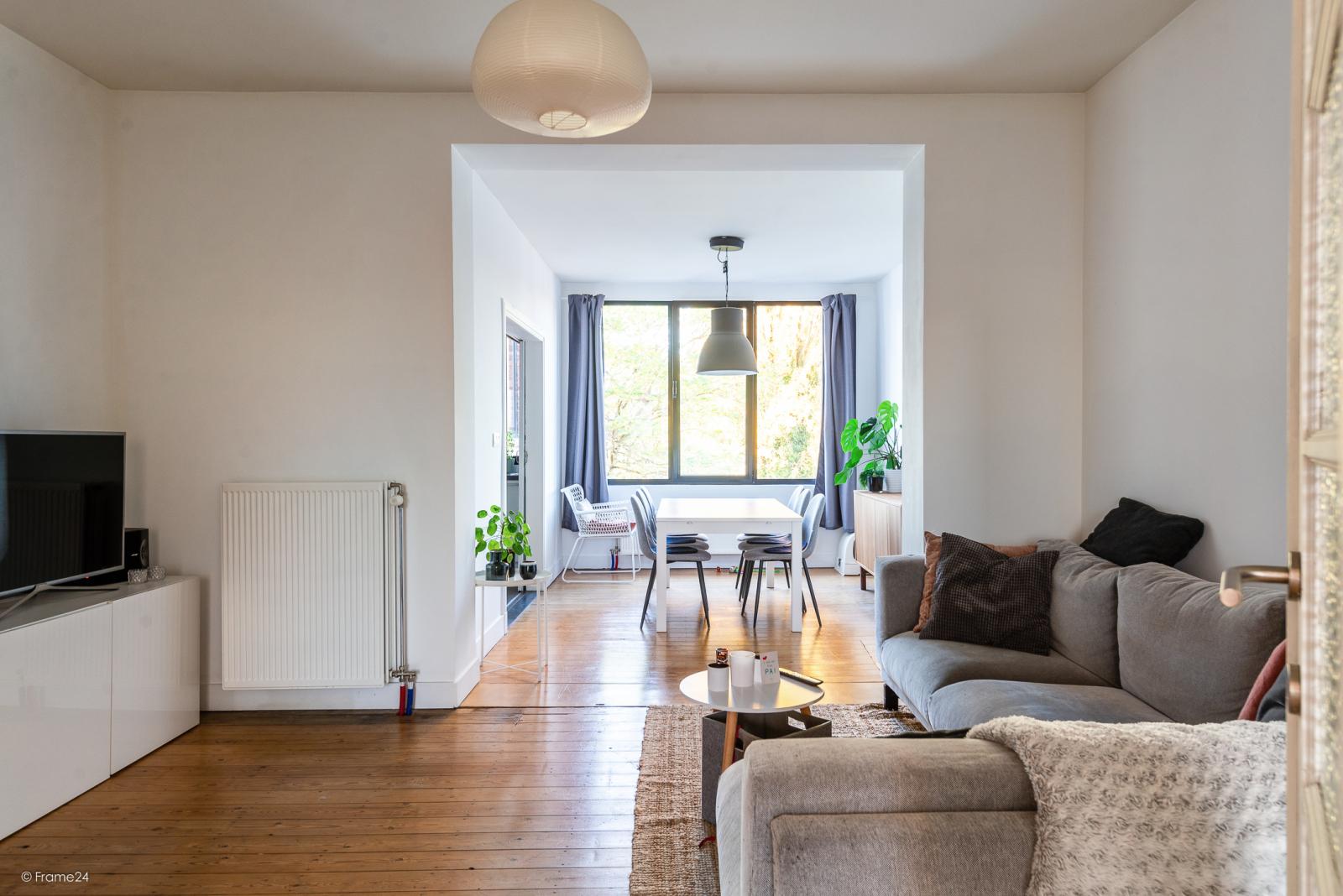 Zeer mooi appartement (75 m²) met één slaapkamer en terras te Berchem! afbeelding 1