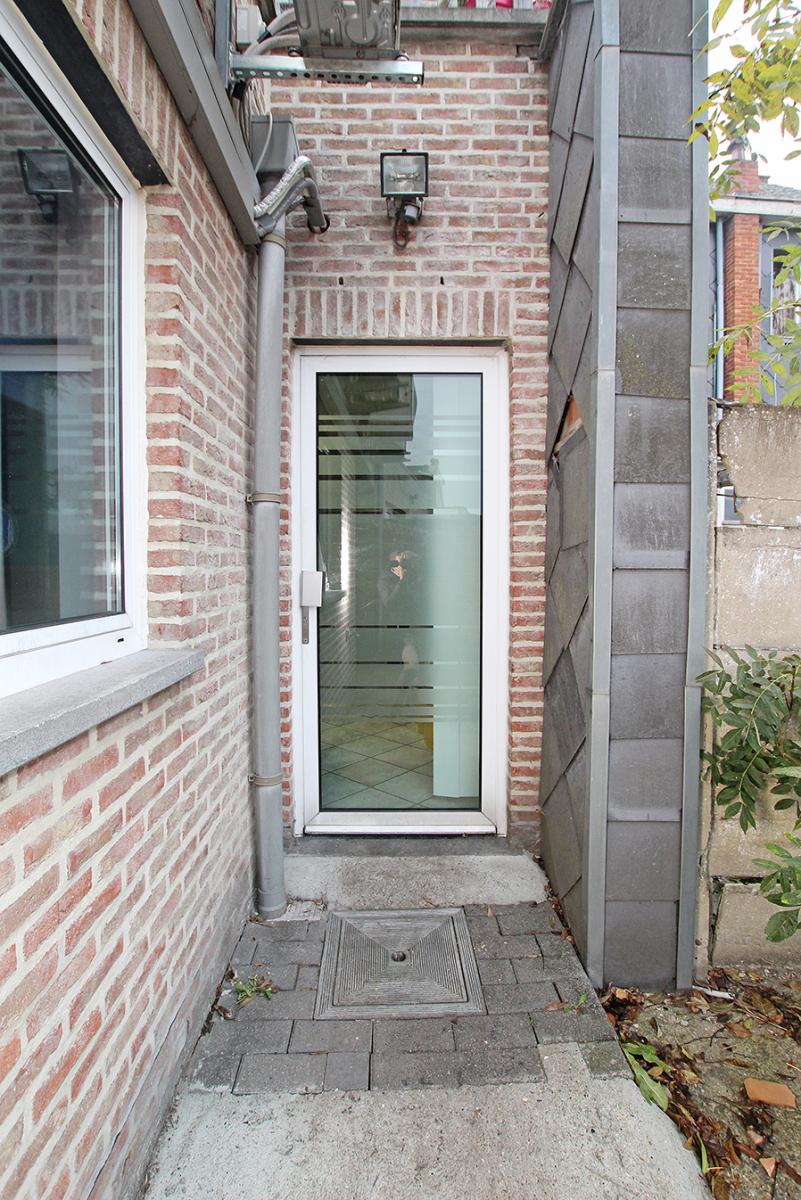 Handelsgelijkvloers op uitstekende locatie aan de kerk van Broechem! afbeelding 12