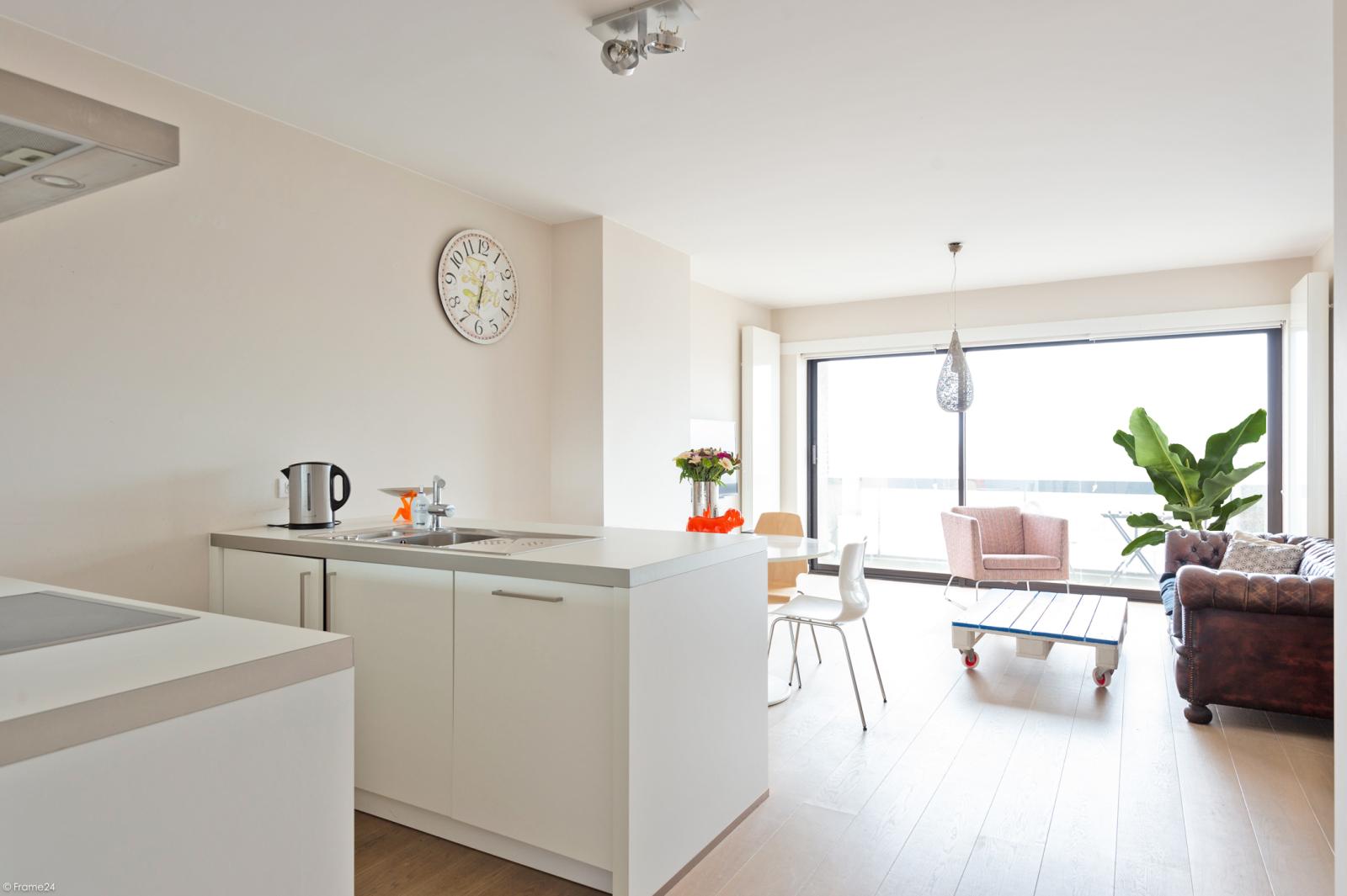 Modern en licht appartement met twee slaapkamers te Berchem! afbeelding 1
