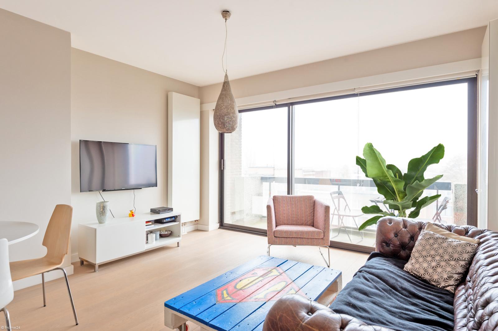 Modern en licht appartement met twee slaapkamers te Berchem! afbeelding 2