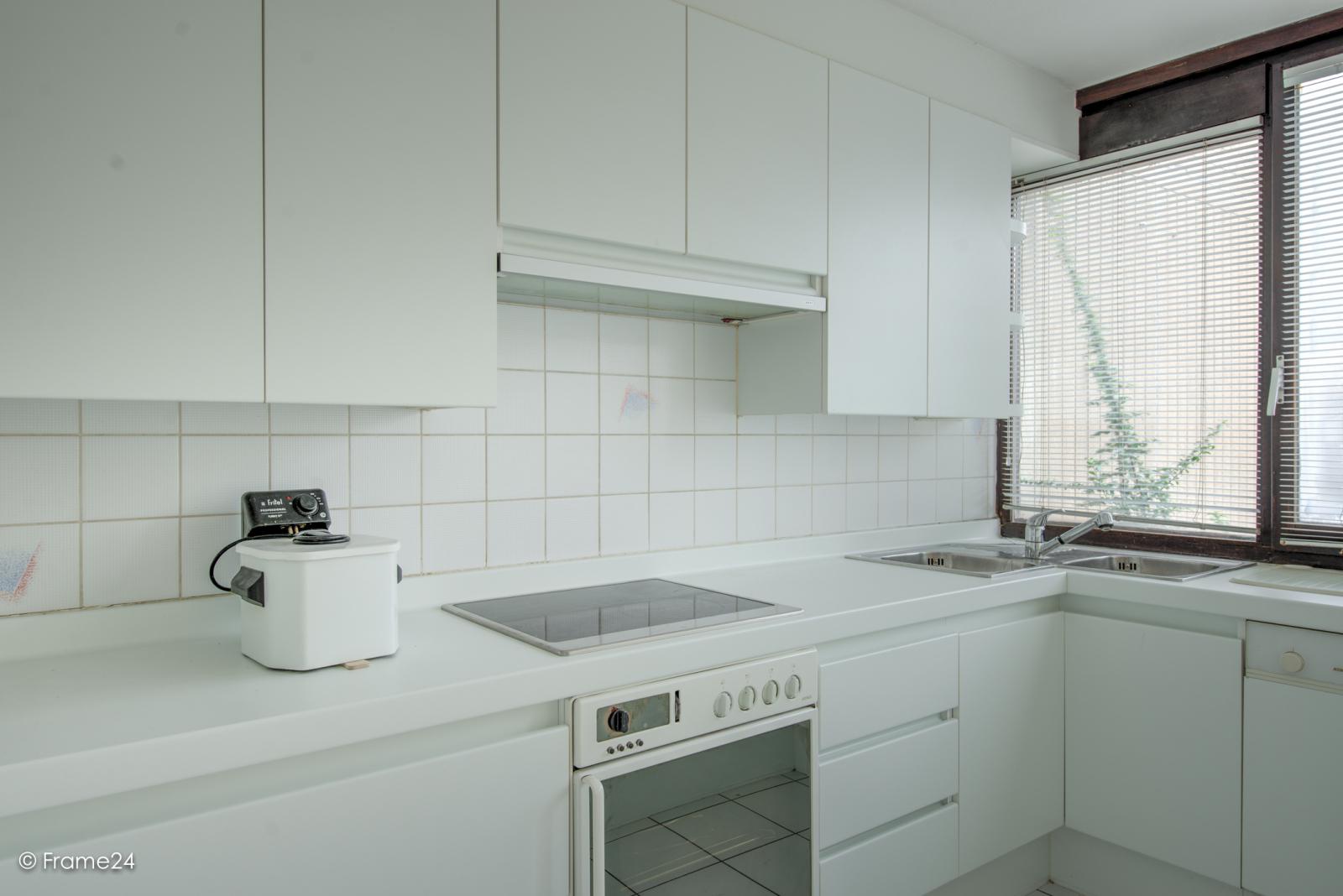 Te renoveren woning met twee ruime slaapkamers op de grens van Deurne met Borsbeek! afbeelding 11