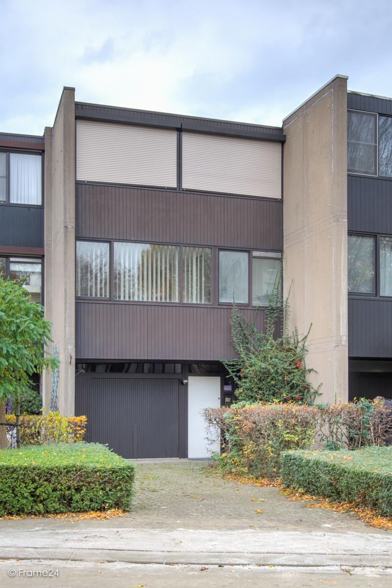 Te renoveren woning met twee ruime slaapkamers op de grens van Deurne met Borsbeek! afbeelding 2