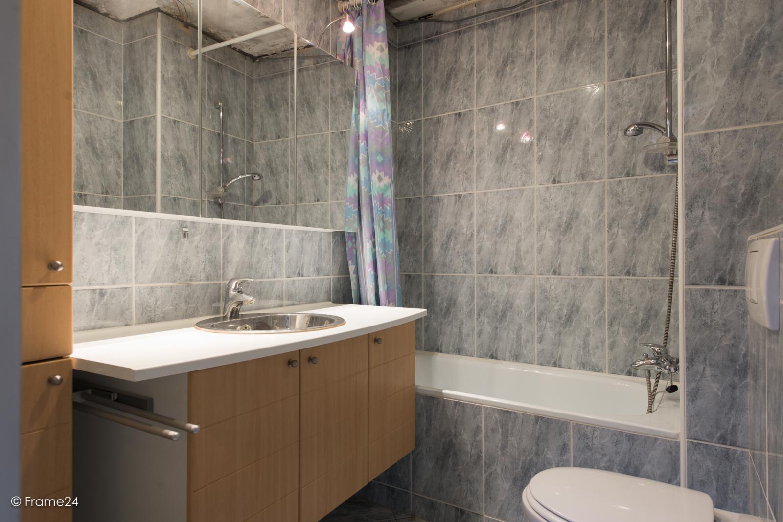 Te renoveren woning met twee ruime slaapkamers op de grens van Deurne met Borsbeek! afbeelding 16
