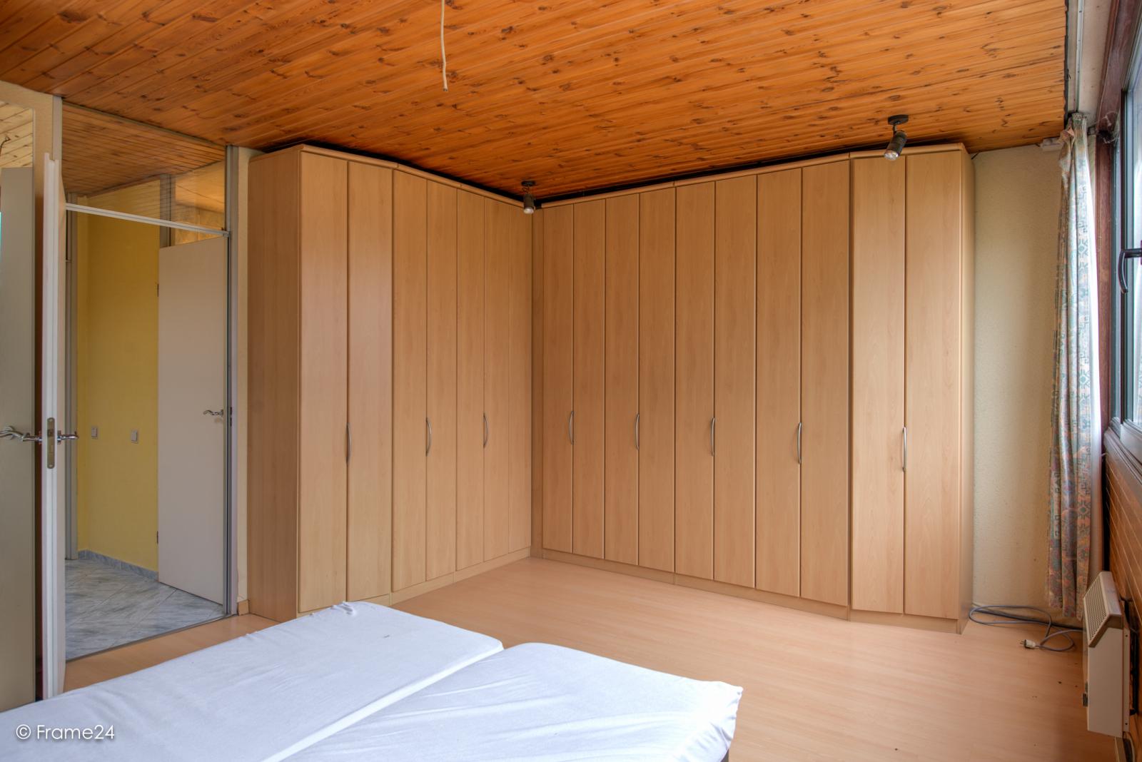 Te renoveren woning met twee ruime slaapkamers op de grens van Deurne met Borsbeek! afbeelding 18