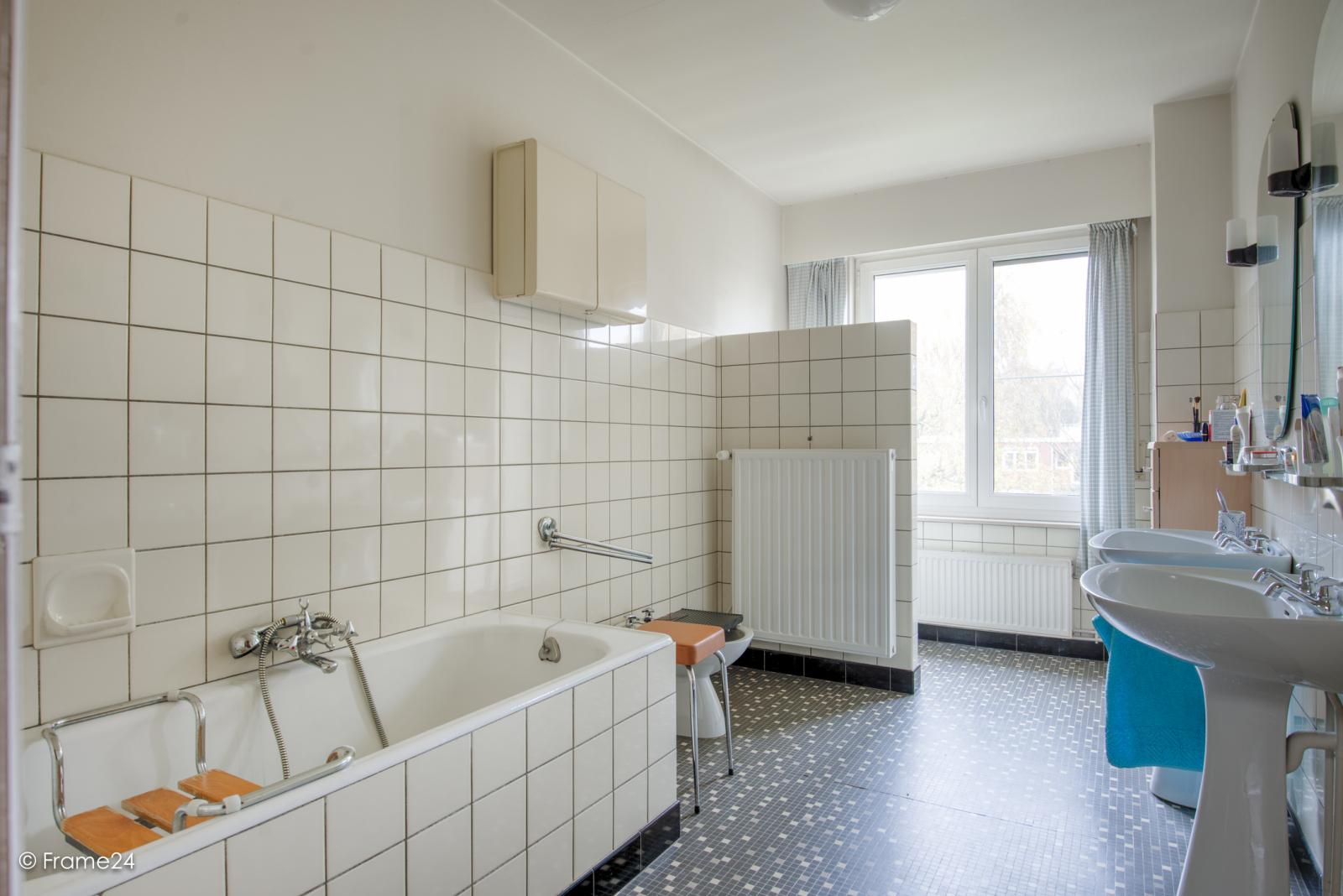 Zeer verzorgde bel-étagewoning met drie slaapkamers op toplocatie te Wijnegem! afbeelding 16