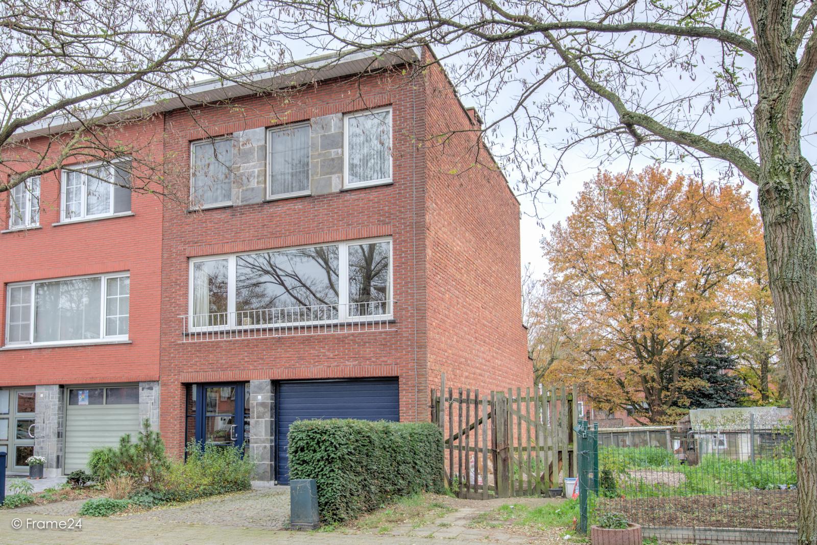 Zeer verzorgde bel-étagewoning met drie slaapkamers op toplocatie te Wijnegem! afbeelding 1