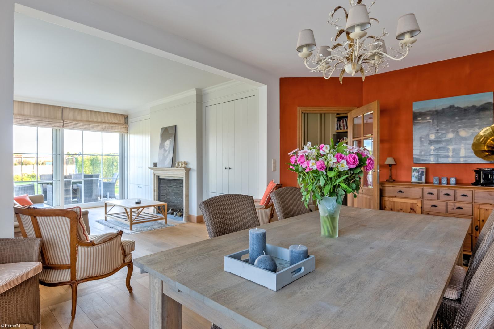 Prachtige half-open Pastorijwoning met vier slaapkamers en tuin met zicht op weiland te Lint! afbeelding 5