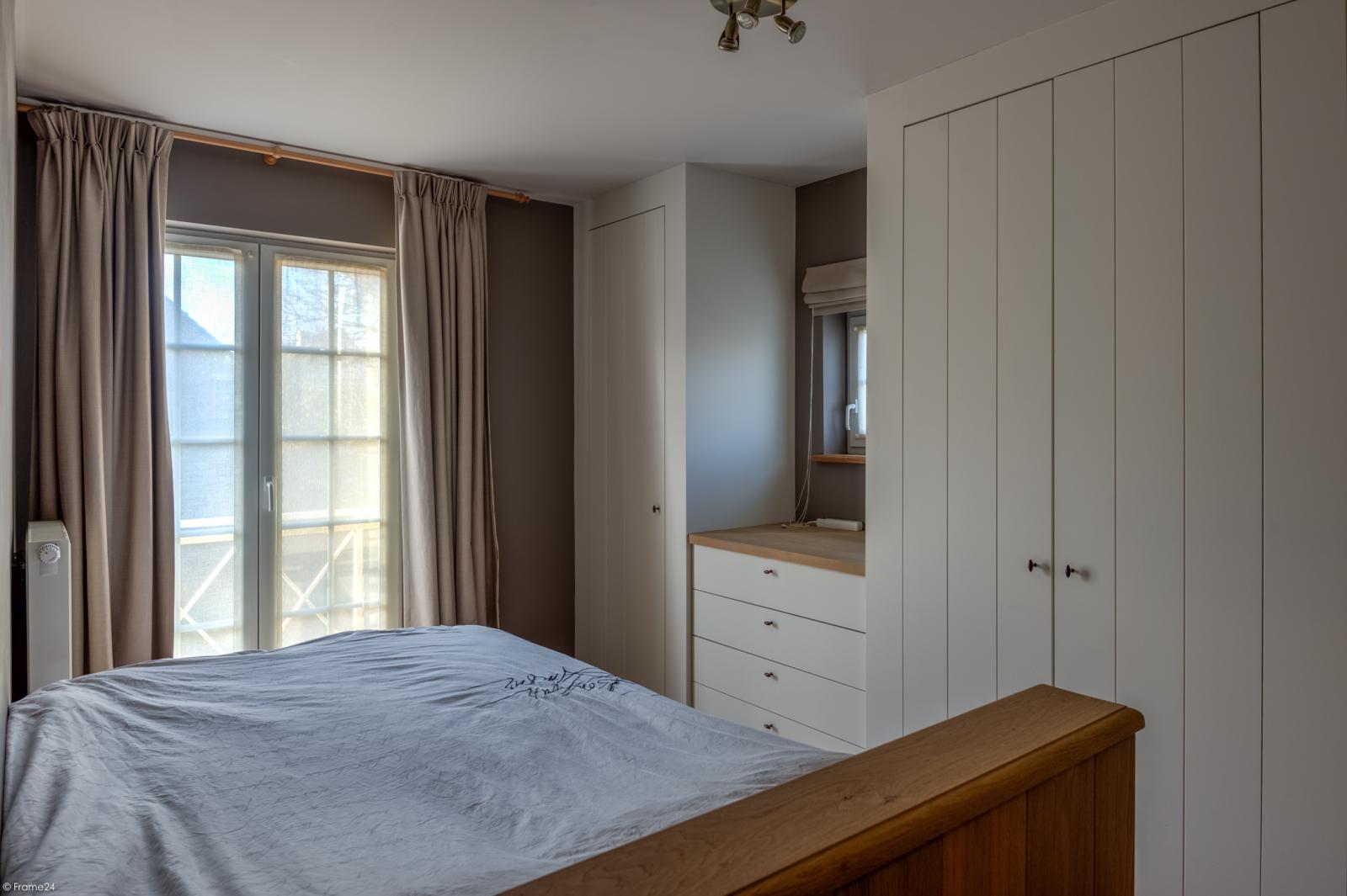 Prachtige half-open Pastorijwoning met vier slaapkamers en tuin met zicht op weiland te Lint! afbeelding 16