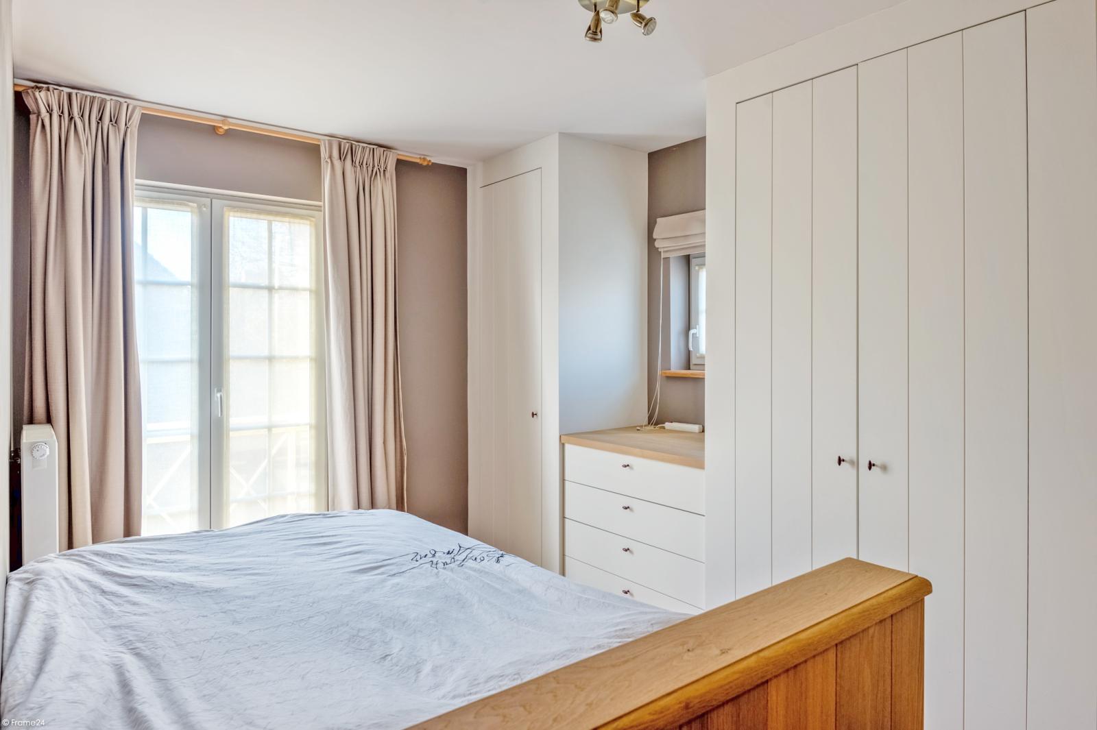 Prachtige half-open Pastorijwoning met vier slaapkamers en tuin met zicht op weiland te Lint! afbeelding 15