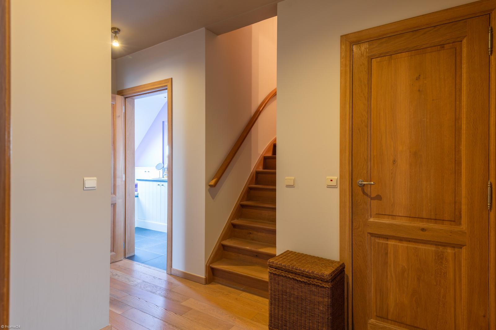Prachtige half-open Pastorijwoning met vier slaapkamers en tuin met zicht op weiland te Lint! afbeelding 20